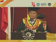 Rektor UNM, Husain Syam Saat Meberikan Sambutan. (Foto: Int).