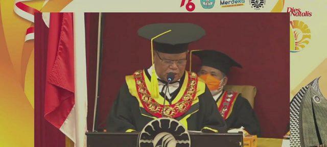 Rektor UNM, saat memberikan sambutan. (Foto: Int)