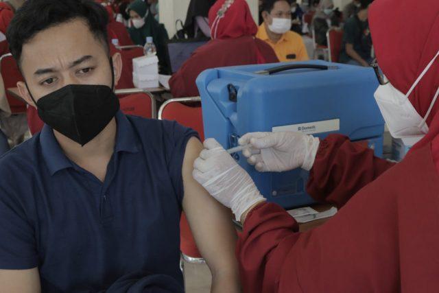 Vaksinasi Gelombang ke tiga. (Foto: Husen-Profesi).