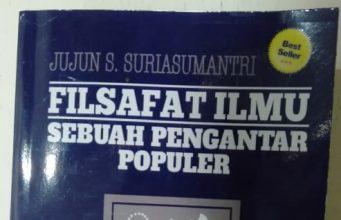 Buku Filsafat Ilmu. (Foto: Nurqodriah) N