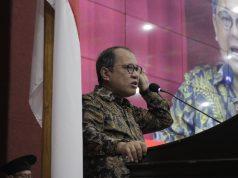 Akbar Faizal Membawakan Pidato dalam Wisuda Periode September 2021. (Foto: Ahmad Husen).